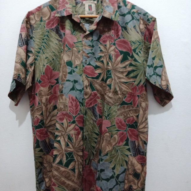 Kemeja hawaii Tory Richard