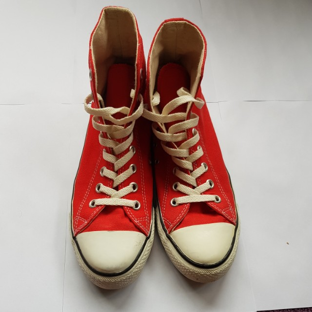Like new red high top Converse All Star UK 7