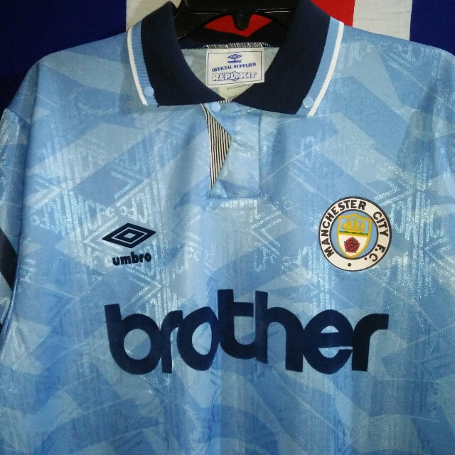 de22ecece0e Manchester City Umbro Brother Jersey Made in England, Men's Fashion,  Clothes on Carousell