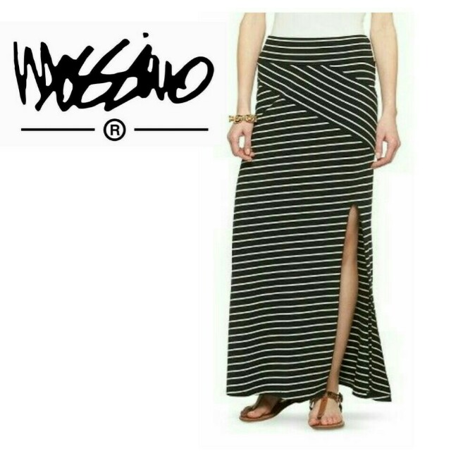Mossimo Asymmetrical Skirt with Side Slit