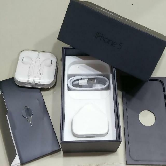 (NEW) IPHONE 5 BOX &ALL ACCESSORIES INCLUDED