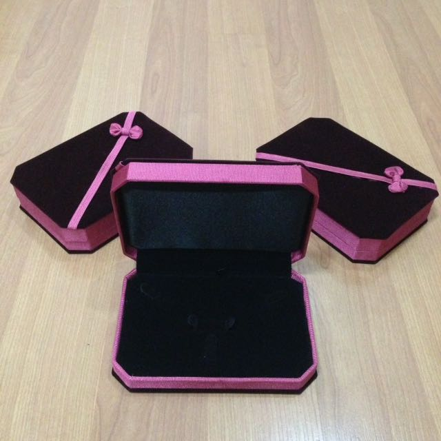 New:Jewelry pink box(EACH)