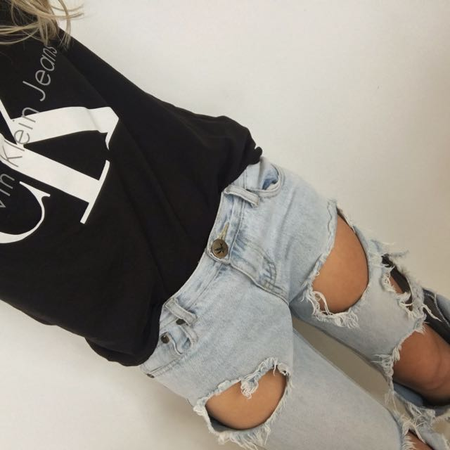 One Teaspoon Awesome Baggies ripped jeans size 22