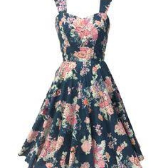 Pigtails and Pirates circle dress size L