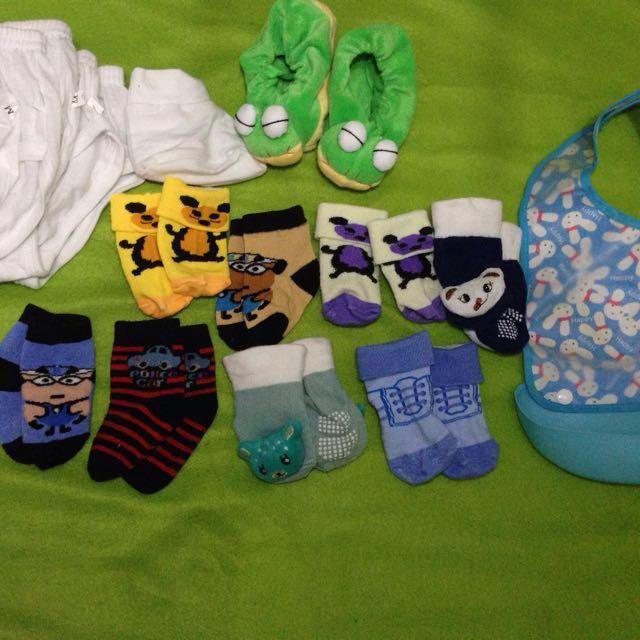Pre loved baby socks, brief and bib