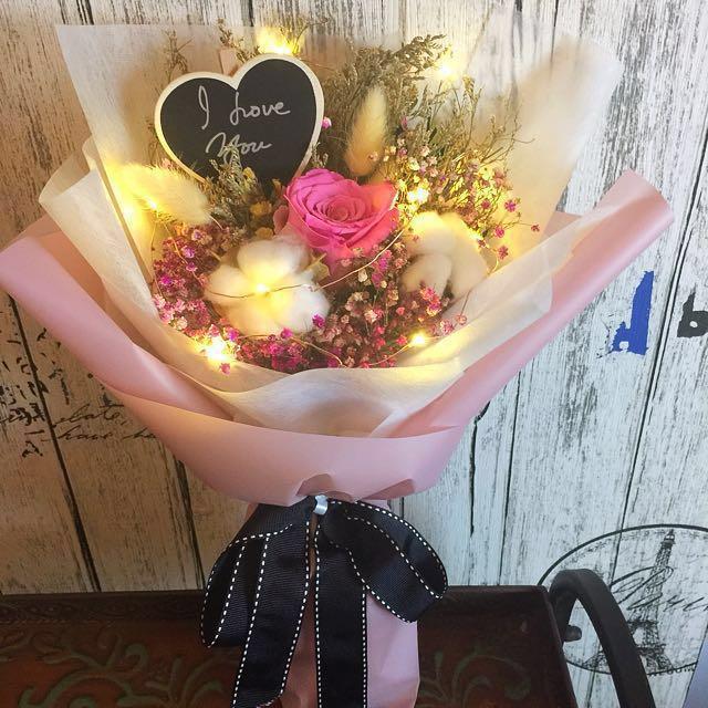 Preserved Fresh Flower Bouquet (5cm Ecuador Rose), Design & Craft ...
