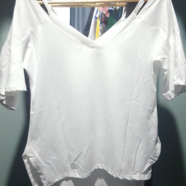 Quarter sleeves top