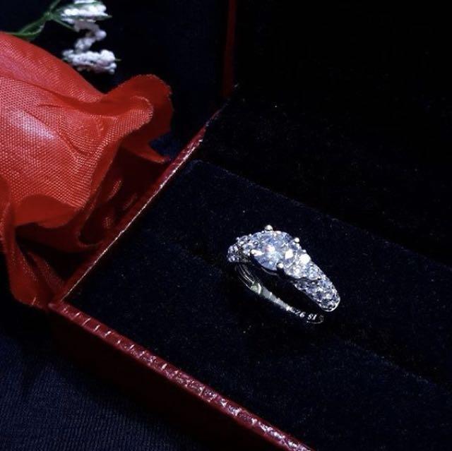 Silver 925 NEW Diamond Look a Like