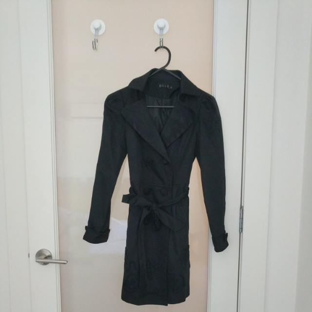 Small trench coat