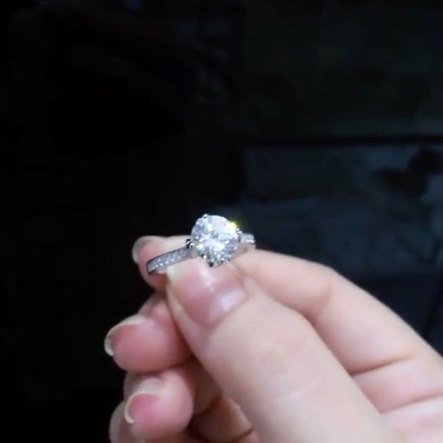Soltaire Silver Ring Diamond Look a Like