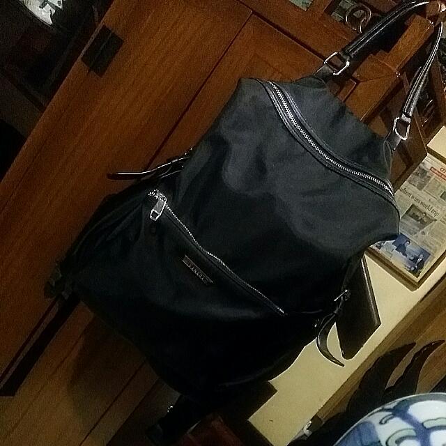 Vincci Fabric Backpack. . Hardly Use