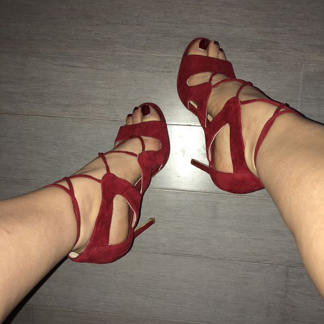 Vince Camuto Red Suede Heels -5.5