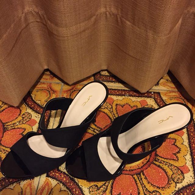 VNC Black Heels size 37