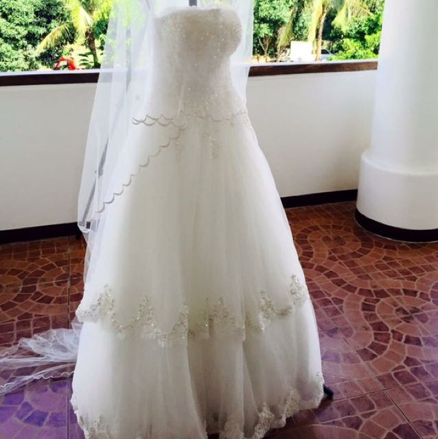 White Tube Gown for RENT, Preloved Women\'s Fashion, Clothes on Carousell
