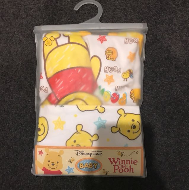 Winnie the Pooh two piece set 0-3 months