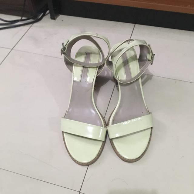 Zara Dirty White Sandal