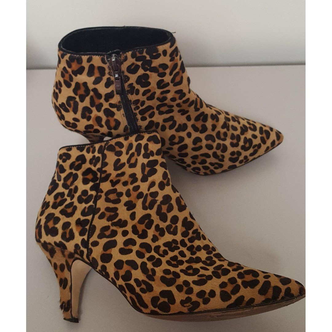 Zu Shoes Betts Leopard Boots Forever New - size 6
