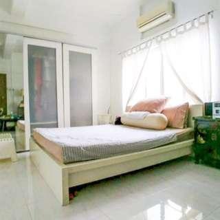 Spacious Tiong Bahru Room