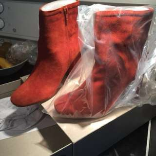 Urban Outfitters Suede Sloane Boots in Henna Brick Size 8