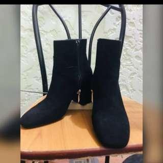 Zara -High Top Boots ( good as brand new)