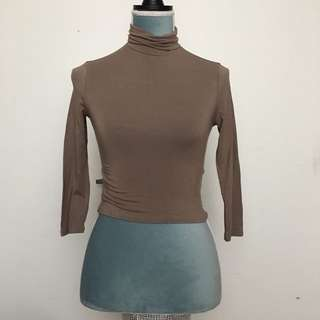 (REDUCED PRICE) Forever 21 Turtleneck Size S