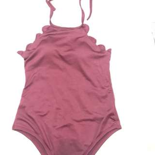 Scallop 1-pc swimsuit