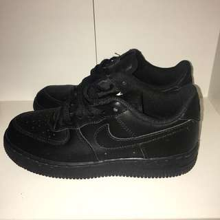 Air Force 1 Low's Size 2Y/Women's 5
