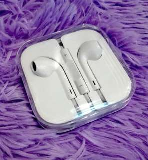 Apple earpods solid bass affordble price (Well sealed and Brand New) Order now !