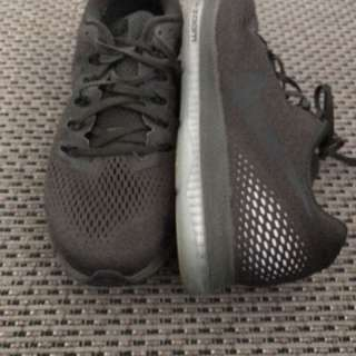 Nike Mens Zoom running shoes