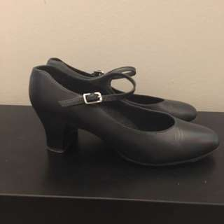 Women's Capezio Mary Jane Leather Character Shoes