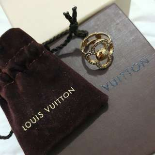 Louis vuitton flower ring