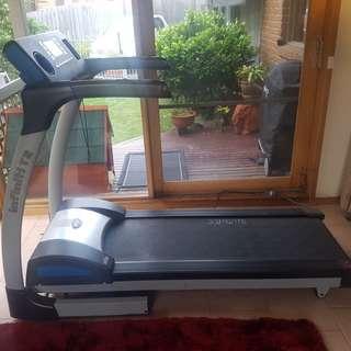 Infiniti T2 treadmill