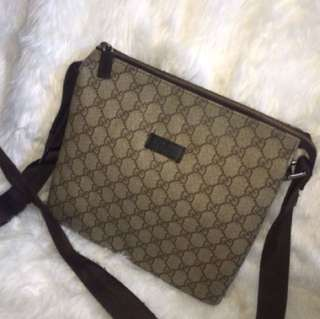 ❗️Repriced❗️Authentic Gucci Sling Bag