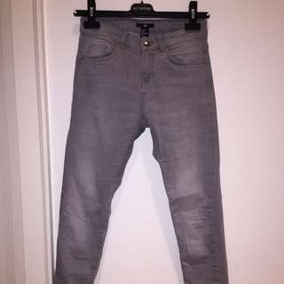 H&M Grey Skinny Jeans - Size 4 (fits 25-28)