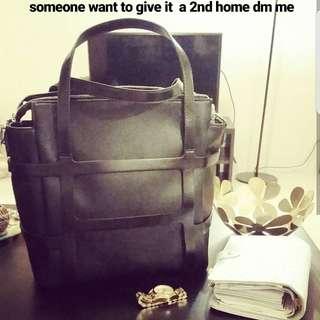 Black Cue bag