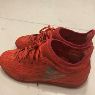 Adidas boys sz 351/2