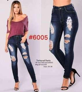 Tattered pants size : 28-38