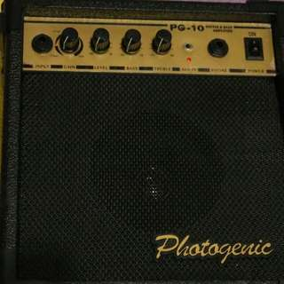 Bass and Guitar Amp 220v 13 watts with Aux in with built in distortion