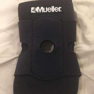 Mueller Wraparound Knee Support with Adjustable Straps