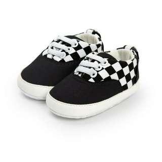 sepatu vans baby
