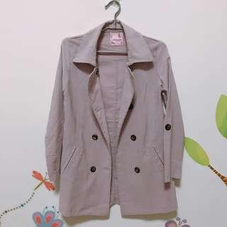 灰粉中長版風衣外套