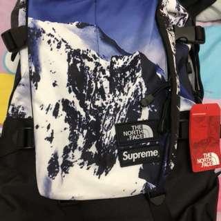 Supreme mountain print backpack. Palace visvim vans tnf