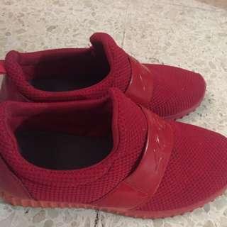 Sneakers slip on kets red merah