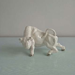 Qing Period White Glazed Porcelain Buffalo height 11cm length 8cm perfect