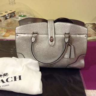 Coach mercer satchel 30in grain leather, silver color