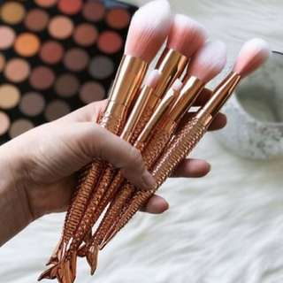 Mermaid brush set in rose gold