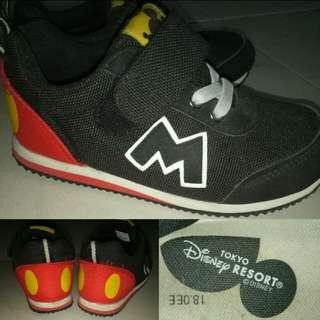 Sepatu Mickey mouse asli dari disneyland Tokyo