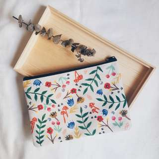 Bom-i봄 Hand Painted Zipper Pouch (Floral Edition)