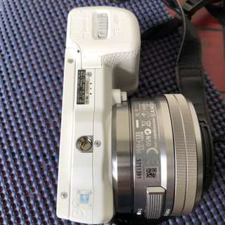 Sony NEX5R白色,16-50 鏡頭,原廠電池2個
