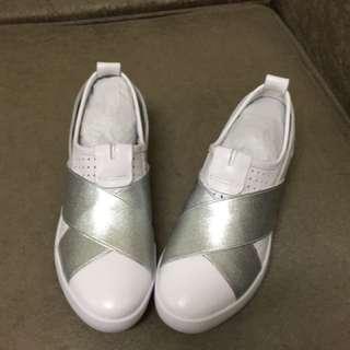 真皮時尚休閒鞋